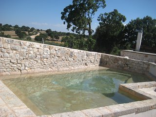 Villaggio Medievale – complex of Apulian trulli with private pool