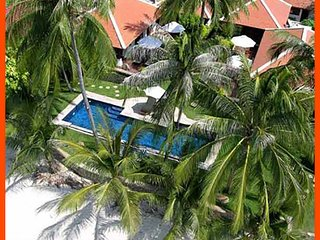 Villa 48 - 4 bedroom option (sleeps 8) with chef service