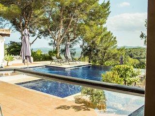 Luxury 5* Villa with infinity pool