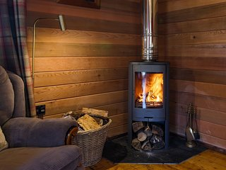 RIVERSIDE CABIN | LOG BURNER | CAMEL TRAIL | RURAL | ASK FOR DISCOUNT 3 NIGHTS +