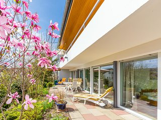Fewo Gartenterrasse- Große Ferienwohnung mit schöner Süderrasse und Garten