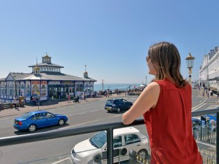 By The Pier - Perfectly Located Holiday Apartment with Balcony and VIEWS!