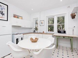 Bondi Beach Gorgeous Apartment-CLOSED