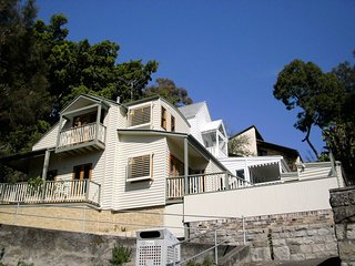 House by Sydney Harbour H355