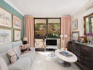 Quiet Coogee 2 Bedroom Apartment H367