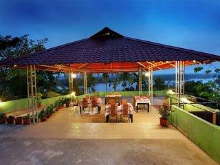 6-BR pool villa, facing River Karapuzha