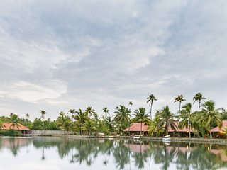 Postcard-perfect cottage along backwaters for a romantic getaway