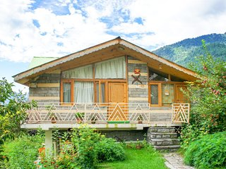Rustic mountain cottage, ideal for a romantic getaway