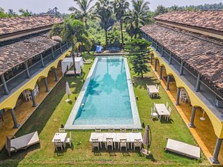 Traditional abode for three, close to Morjim Beach