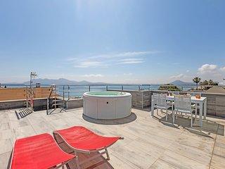 Velas - tolle Wohnung mit Dachterrasse und Jacuzzi
