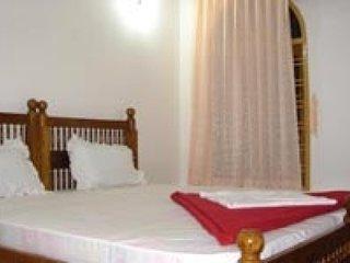 3-Bedroom Duplex Houseboat
