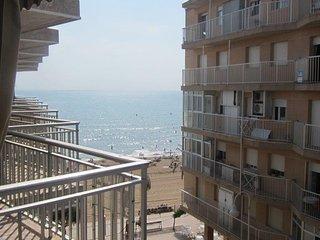 4816 - Amplio apartamento