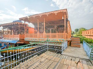 Beautiful 3-BR houseboat with an ethnic charm, ideal for a family