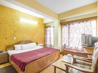 Contemporary stay for three, 400 m from Mall Road