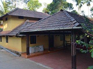 4-BR cottage for large groups