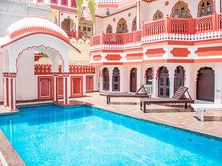 Traditional heritage retreat, close to Hawa Mahal