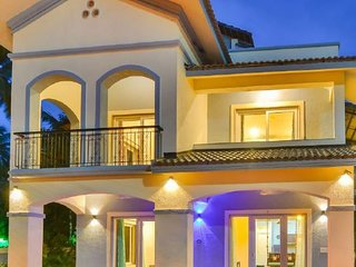 Luxurious 3 BHK villa for large groups