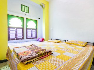 Well-appointed room for solo travellers