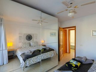 2 bedroom Apartment with Pool and WiFi - 5691607