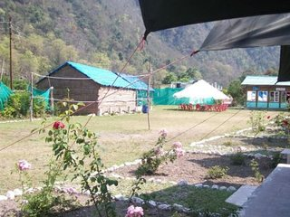 Simple Rustic Cottage Camp