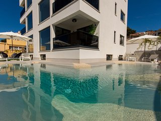 Luxury Apartment Royal M with Pool I