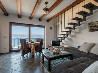 Beachfront Apartment Allure II