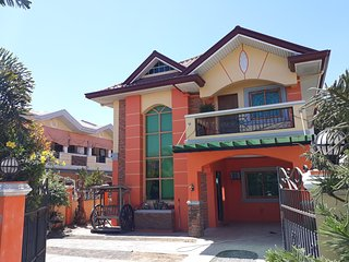 The Orange House - Vigan Villa