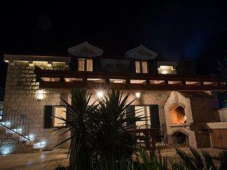 Luxury Villa Aurelia with Pool