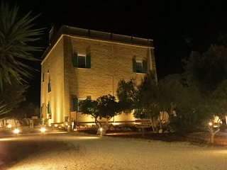 Torre Castiglione Villa Sleeps 8 with Air Con and Free WiFi - 5806385