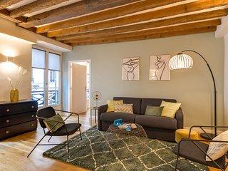 Paris Holiday Apartment 26826