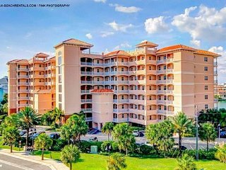 LUXURIOUS TROPICAL PENTHOUSE SUITE , WATER AND  BEACH VIEWS,POOL,3 BEDS 2 BATH.