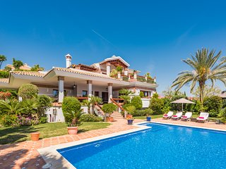 Five Bedroom Luxury Villa Alba in Los Flamingos Golf, near Marbella