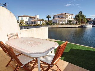 3 bedroom Villa in Aigues-Mortes, Occitania, France : ref 5542421