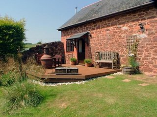 Luccombe Barn - A Superb 2 Bedroom Barn Conversion.