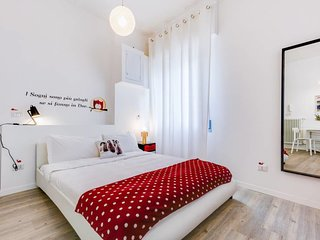 Bright and modern studio flat near Trastevere