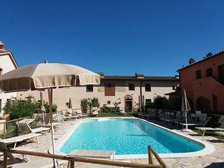 Chianti Holiday Homes - Glicine Apartment