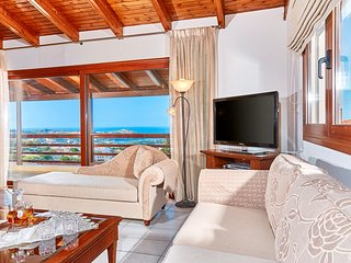 Spacious villa with shared pool and amazing view
