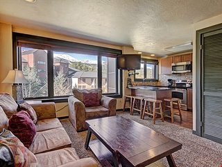 HUGE Premier Ski Rental with Pool, Hot Tub, Shuttle Access and More!