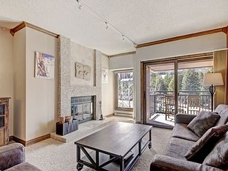 HUGE Fully-Equipped Condo with Amazing Amenities + Gorgeous Fireplace