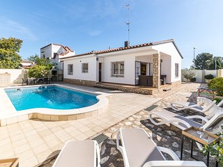 Holiday home for rent with private pool in L´Escala