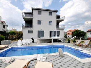 Sea view luxury  'apartment Lara' with pool
