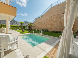 Taormina pool luxury apartment with private mini pool
