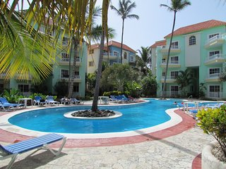 Palm Suites 2BR Condo, Walking Distance to the Beach, Unit A4