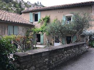 Les Baux de Provence: maison authentique avec vue