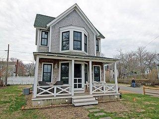 In-town Oak Bluffs House