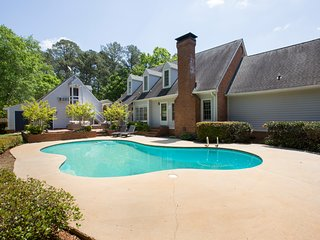 Gorgeous 5 Bedroom Amazing Private Pool,Sleeps 11