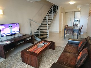 Apartment in the center of Cape Town with Pool, Lift, Parking, Balcony (672982)