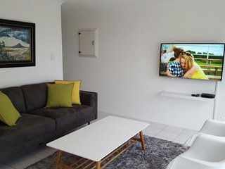 Apartment 686 m from the center of Cape Town with Parking, Balcony, Washing mach