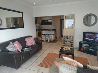 Apartment in Cape Town with Parking, Balcony, Washing machine (675756)