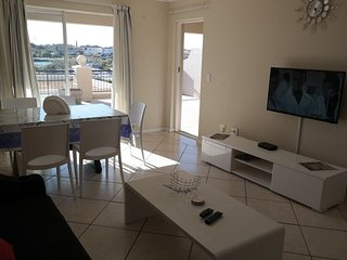 Apartment in Cape Town with Parking, Balcony, Washing machine (675697)